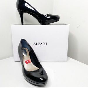 NIB Alfani black patent heal shoes 6